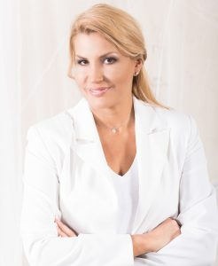 Nicola Hollender CEO Health & Beauty Lounge